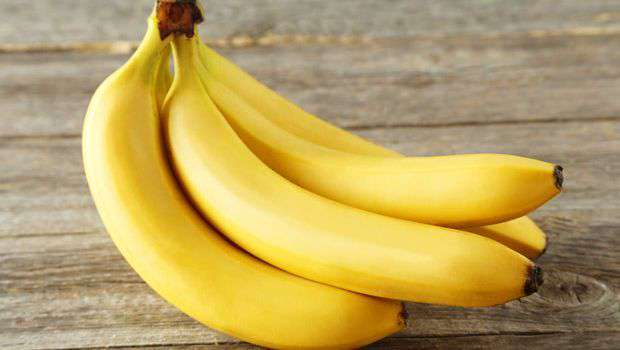Eat a banana with hot water to lose weight