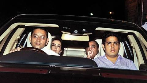 Mukesh Ambani's driver gets salary for more than 2 lakhs