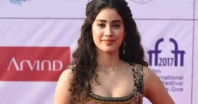 This is Bollywood's 3 youngest actresses, number 3 is 1.5 crore