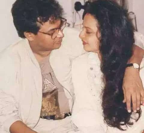 Rekha is one such book, which tells of sorrow, neither father nor in-law's happiness.