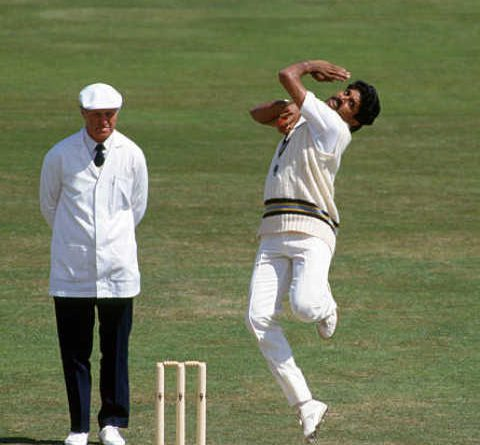 A cricket bowler who has not thrown his whole life, know no words about him.