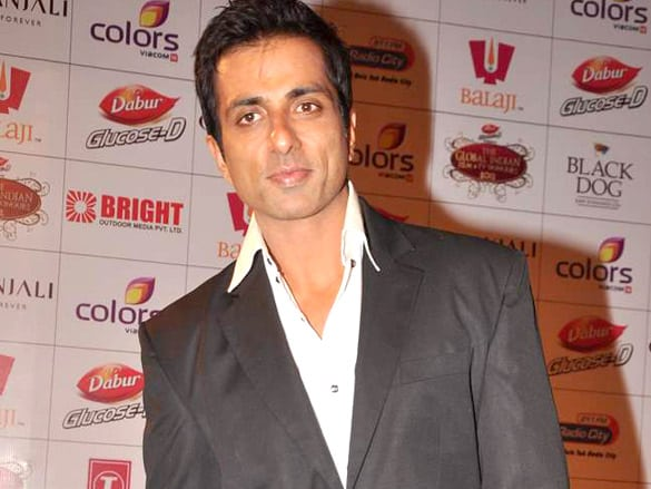 Sharabi said to Sonu Sood- 'Will deliver on contract', actor gave this fun