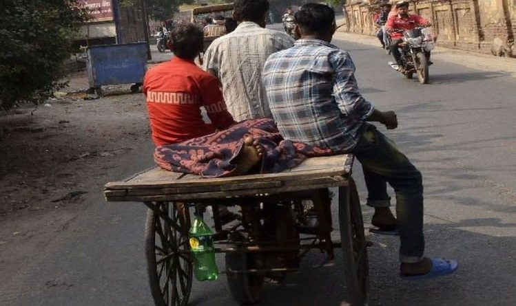 Illness system: The dead body of the patient was not found by ambulance, then husband and child were brought home on the cart