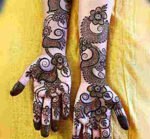 These mehndi designs will enhance the beauty of hands