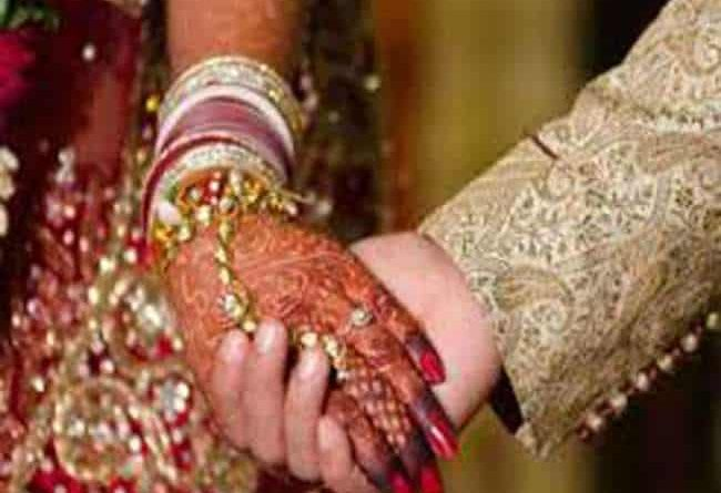 Due to reduction in dowry, drunken groom rammed a carriage, death of bride's brother