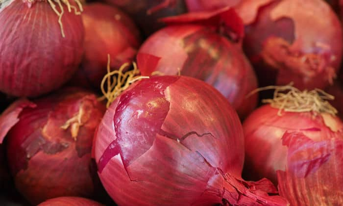 It is a panacea to avoid diseases during the rainy season, know how to onion