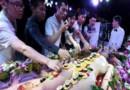 चीन का अनोखा कैफे जहां प्लेट के बदले लड़कियों के जिस्म पर परोसा जाता है खाना